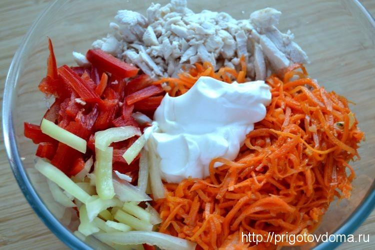 салат из курицы болгарского перца и корейской моркови