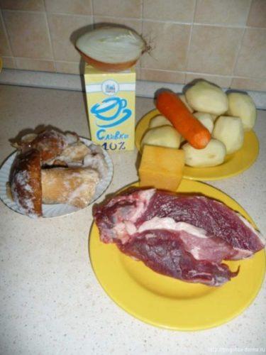 Ингредиенты для жаркого из свинины в горшочках