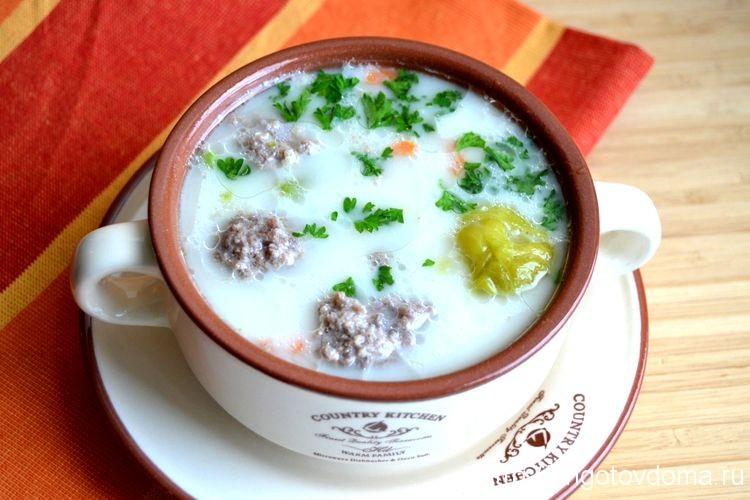 сырный суп с фрикадельками и овощами