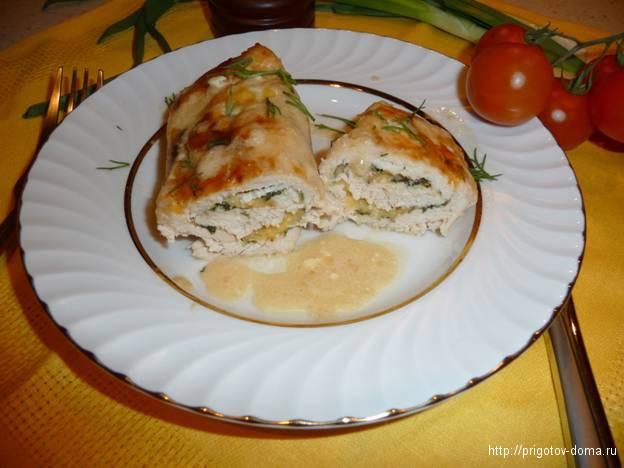 куриные рулетики с начинкой из зелени и сыра