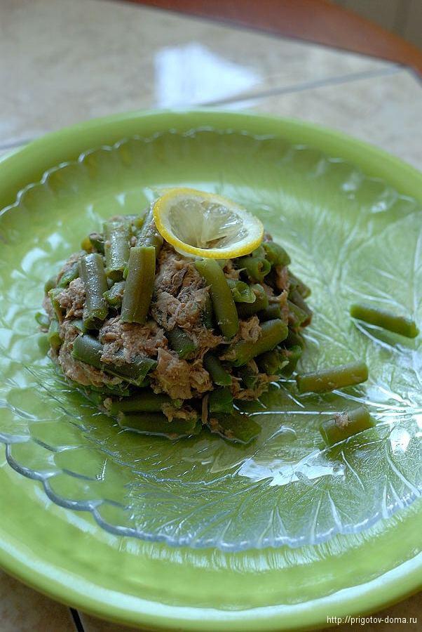 Салат из стручков фасоли с тунцом