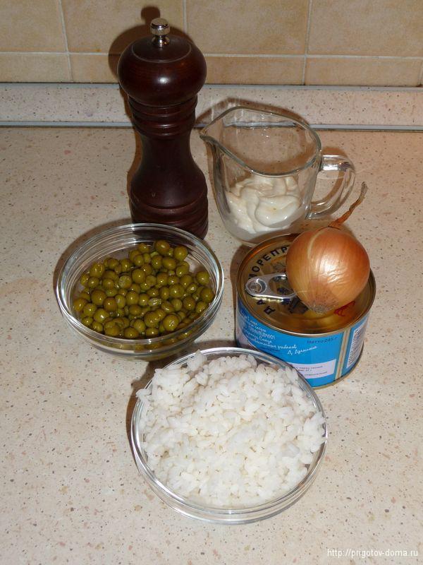 готовим простой салат из рыбных консерв