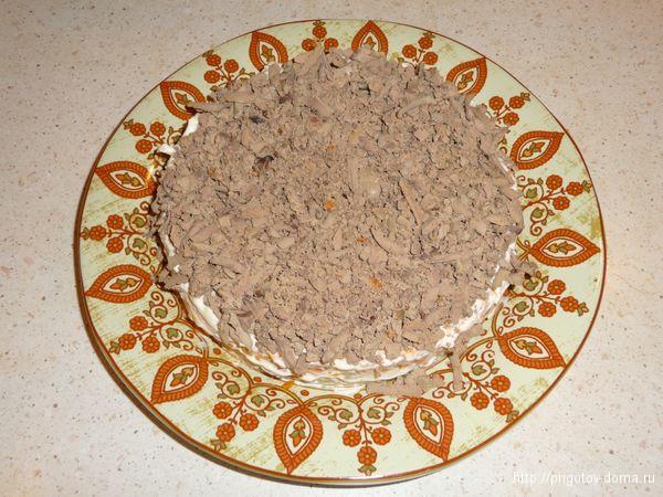 выкладываем слой из куриной печени