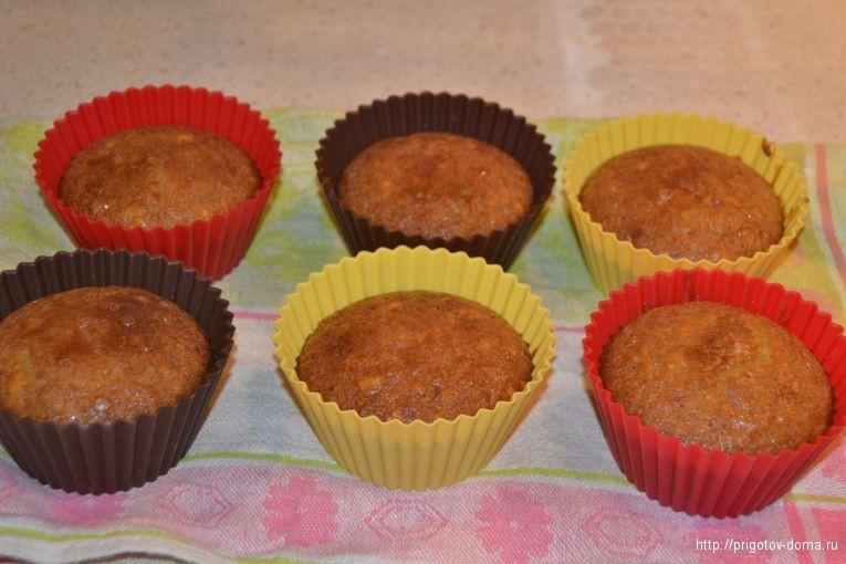 запекаем кексы в течении 35-40 минут при 180 градусах