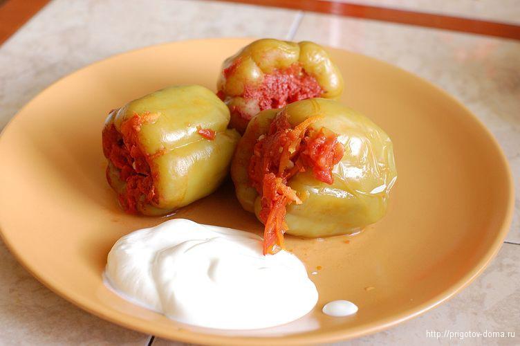 Фаршированный болгарский перец в собственном соку