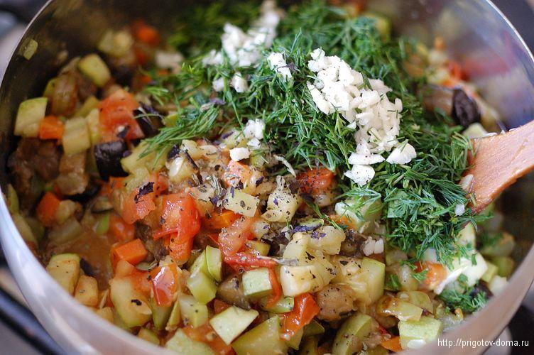 перемешиваем все ингредиенты овощного рагу