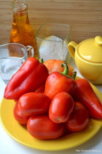 Ингредиенты для лечо из болгарского перца и помидоров