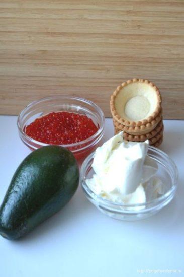 Ингредиенты для тарталеток с авокадо и икрой