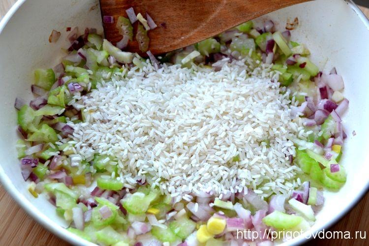 к овощам добавляем рис