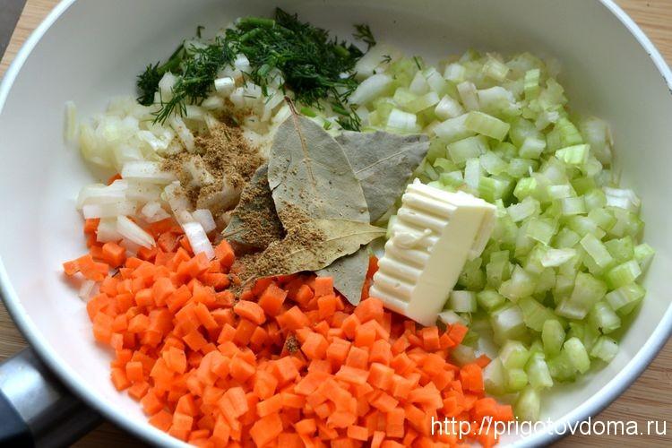 обжариваем овощи на сливочном масле
