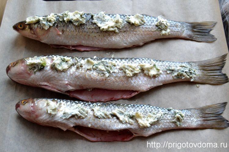 натираем рыбу маслом