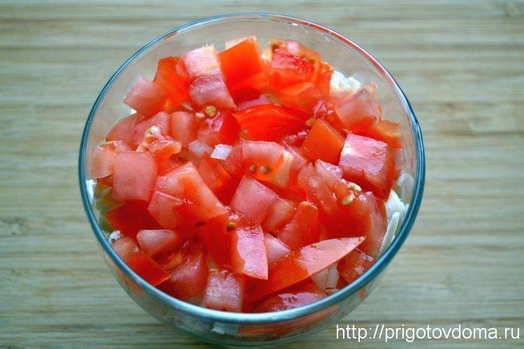 выкладываем слой помидор