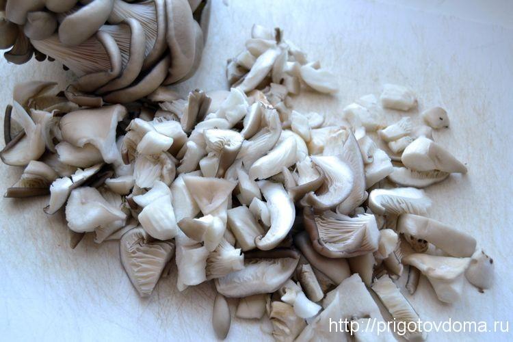 грибы промоем и нарежем