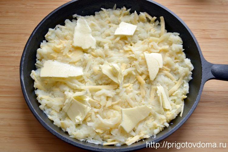 обжариваем картофель на сковороде