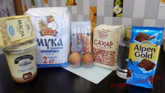 Ингредиенты для горки из профитролей