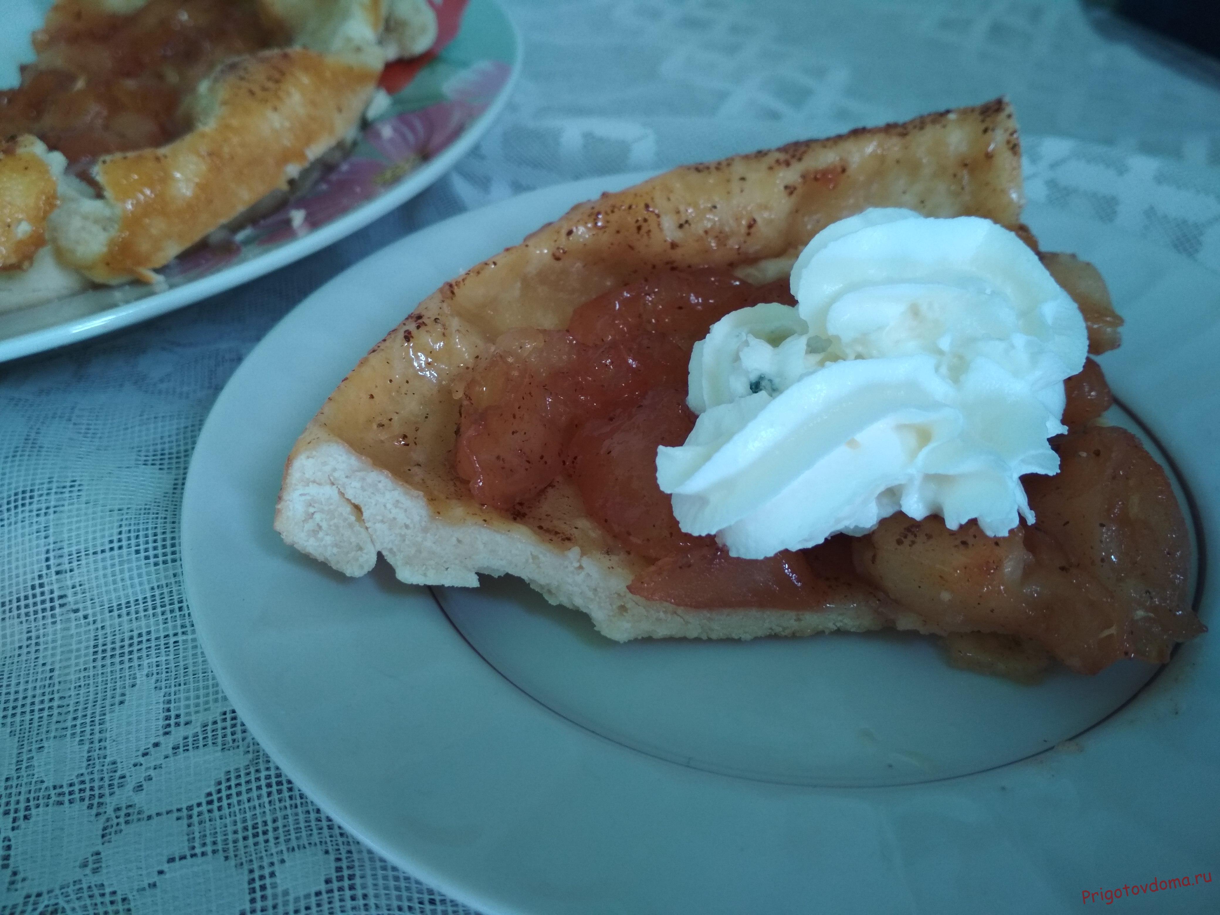 Пирог Тарт Татен с яблоками и карамелью